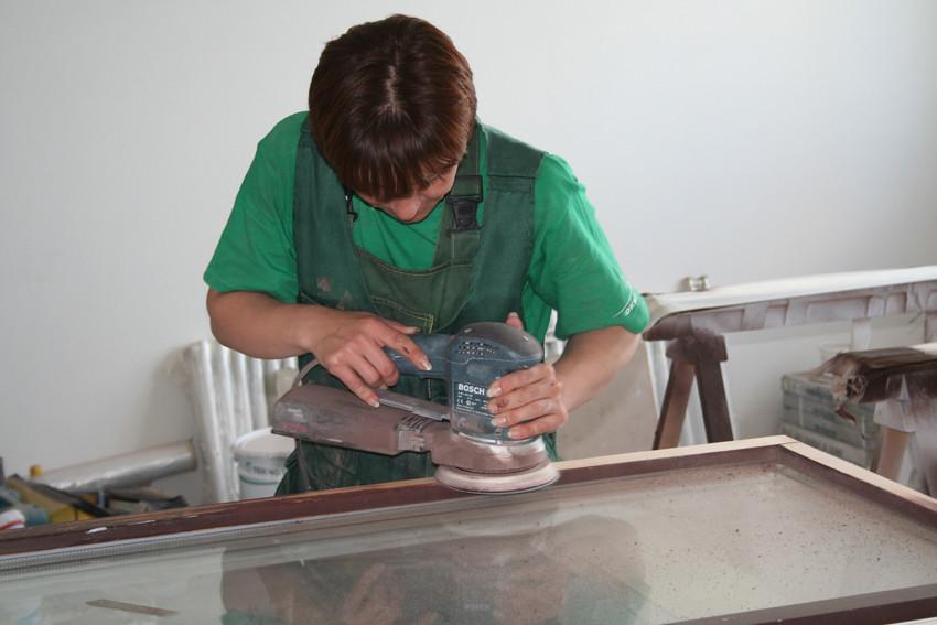 Утепление и покраска деревянных окон