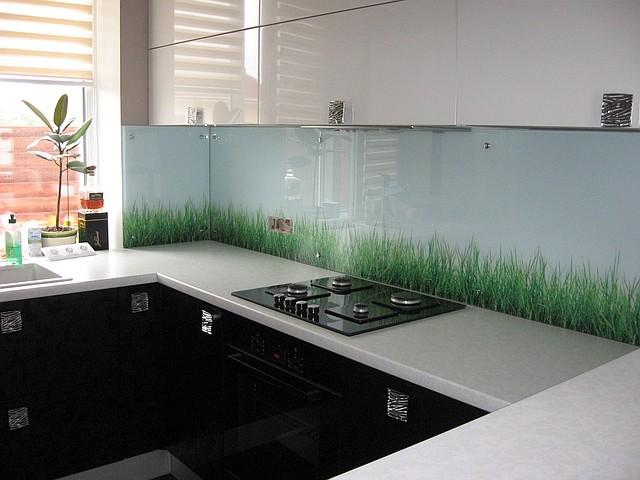 Скинали - стеклянные фартуки для кухни 5