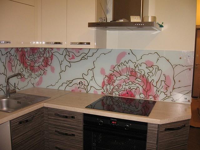 Скинали - стеклянные фартуки для кухни 6