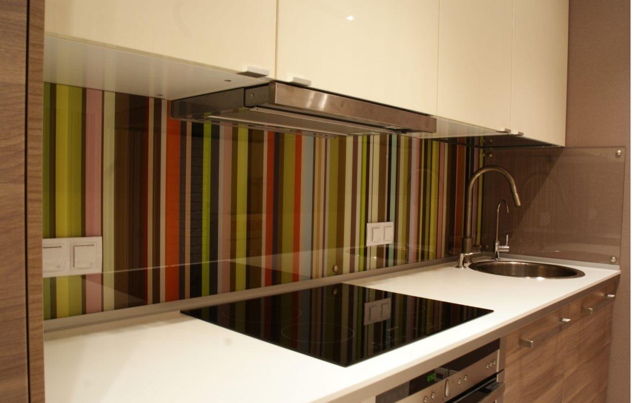 Закаленное стекло на фартук кухни