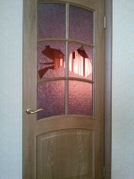 Замена разбитых стекол в дверях